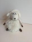 peluche mouton en laine feutree