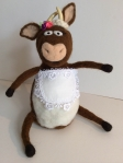 peluche vache en laine feutree