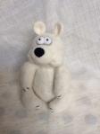 peluche ours blanc en laine feutree