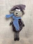 peluche mouton gris en laine feutree