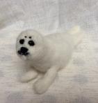 peluches en laine feutree white seal